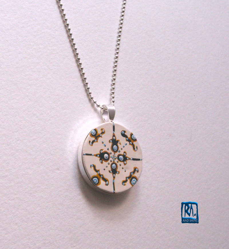 RA-PENDANT-SILVER-PLATED-ROUND-009