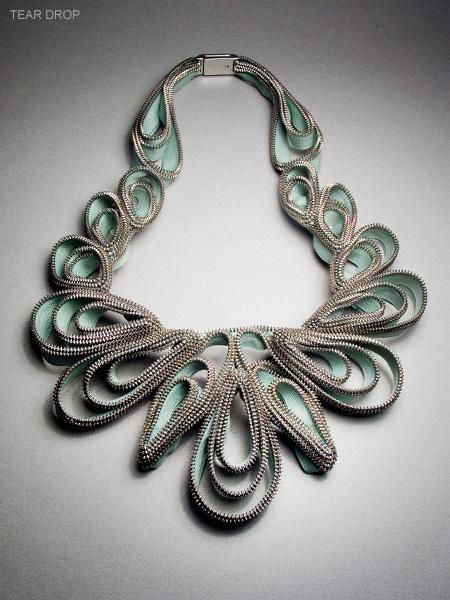 necklaces_0002_tear-drops