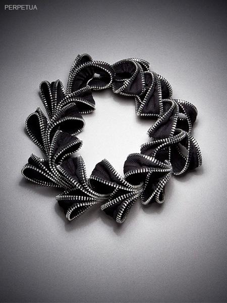 necklaces_0017_perpetua