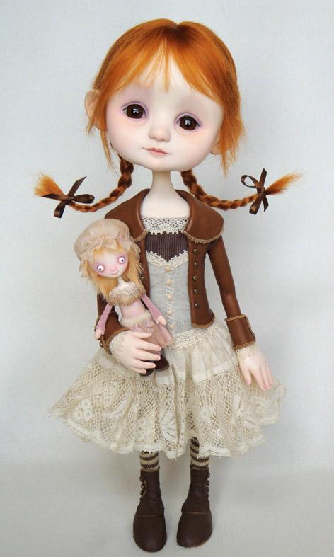 Emmy și păpușica ei Lila