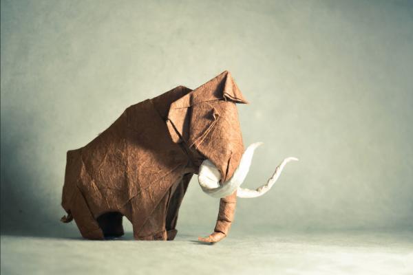 """Origami Mammoth"" design - Artur Biernacki, pliat de Gonzalo Garcia Calvo"