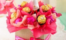 http://www.netgifts.co.za/Shop/South_Africa/Edible_Range/Pink_Sparkling_Chocolate_Arrangement_NETER001.htm